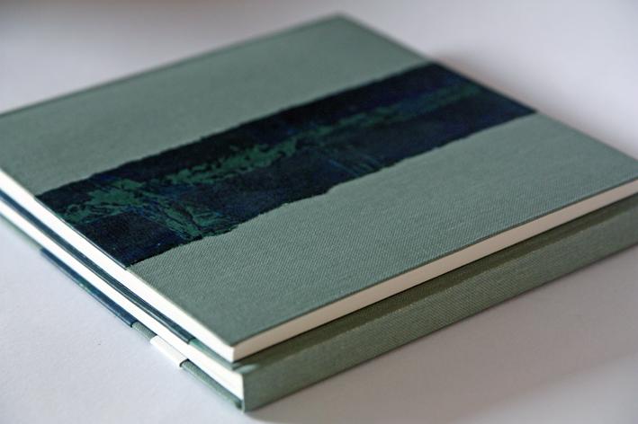 thin twin grey green2.jpg